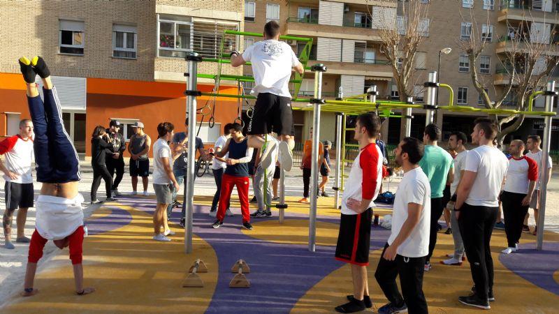 El Street Workout, gimnasia deportiva de calle, llega al barrio del Actur con una nueva instalación