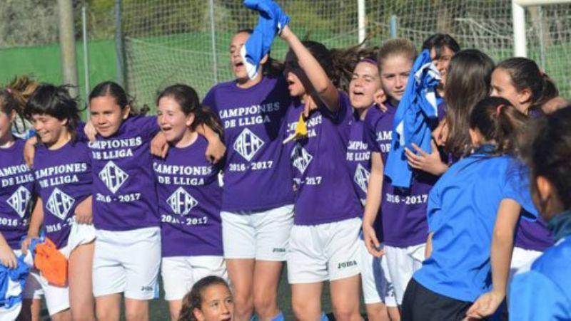 El infantil femenino del AEM de Lérida gana la Liga de Segunda masculina