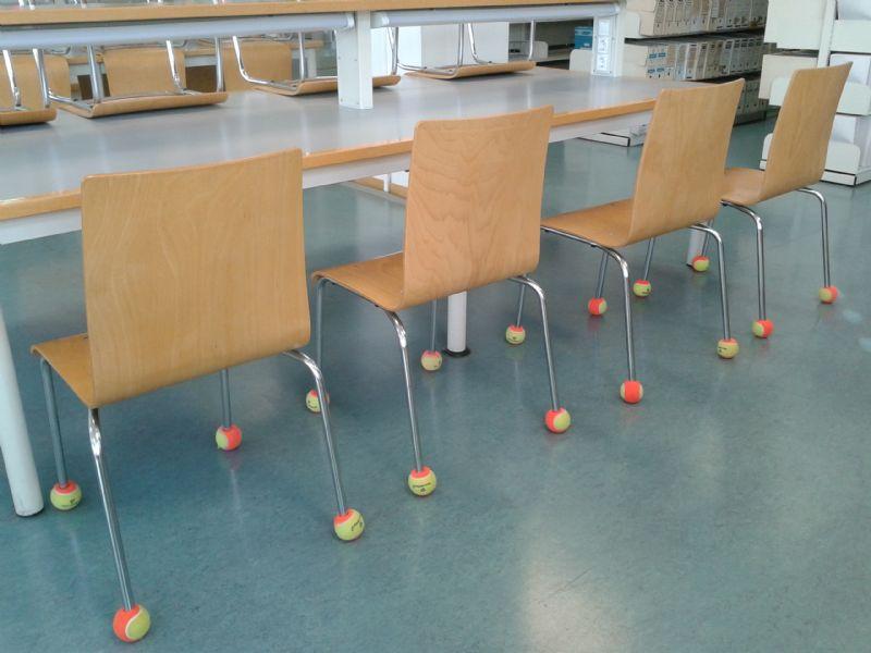 La «2ª vida» de las pelotas de tenis de los cursos municipales