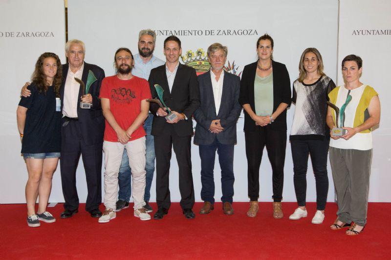 El Ayuntamiento condecora con los Premios Mujer y Deporte al Zaragoza CFF, la piragüista Selma Palacín y al Reto Femenino 10K