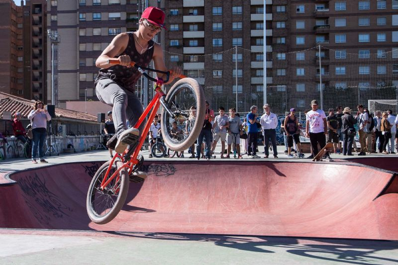 Zaragoza estrena el renovado Skate Park de Vía Hispanidad