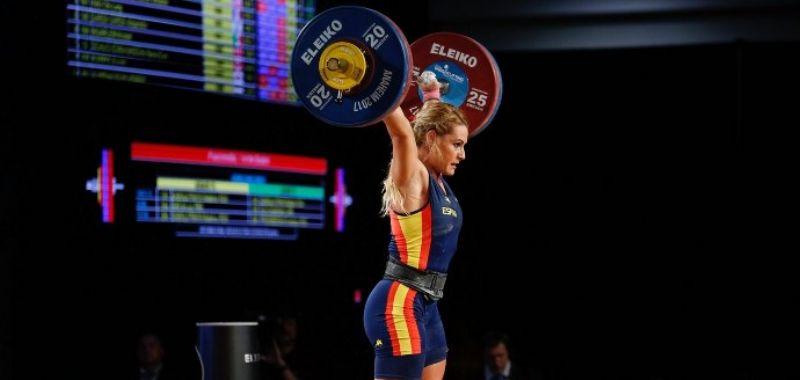 Lydia Valentín hace historia al convertirse en triple campeona del mundo