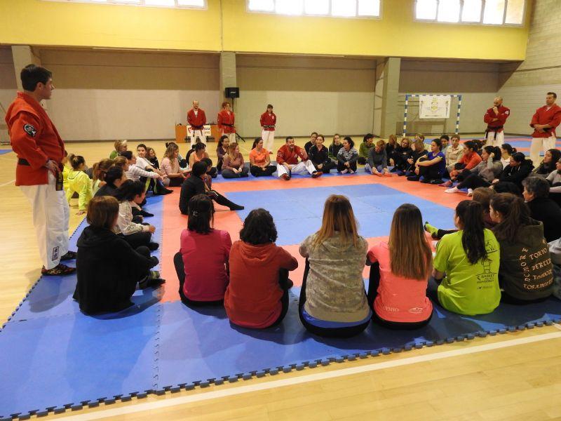 Éxito de la 1ª Master Class de Defensa Personal para Mujeres que se celebró el pasado sábado