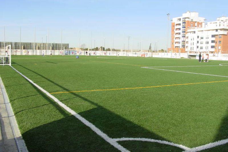 Zaragoza Deporte aprueba la reforma del campo de fútbol de Santa Isabel y la ampliación de ayudas para menores sin recursos
