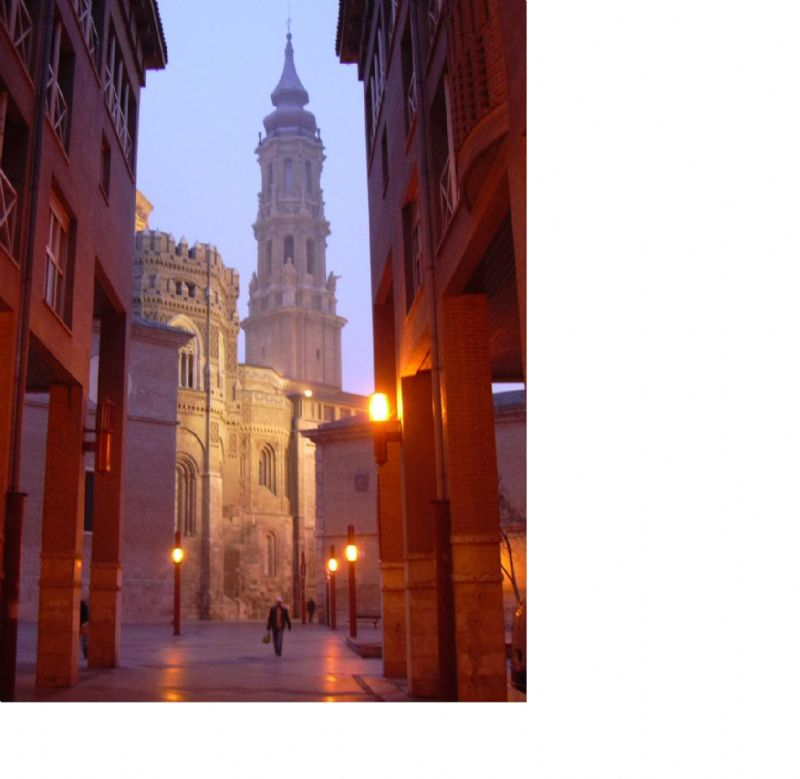 Zaragoza, núcleo de la Comunidad de Aragón