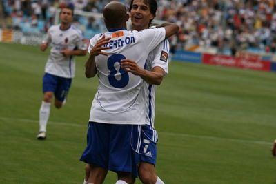 El Real Zaragoza, más cerca de la Primera División