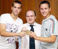 Bandrés recibe a Ander y Laguardia con su oro
