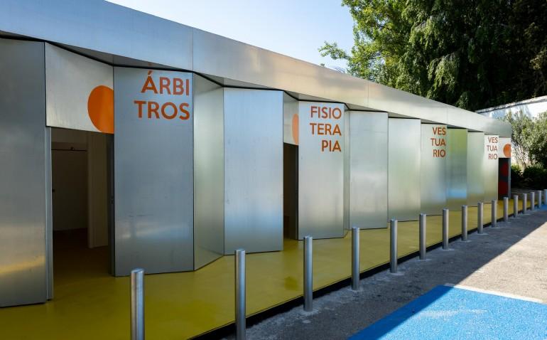 El campo municipal de fútbol de San José estrena nuevo edificio de vestuarios