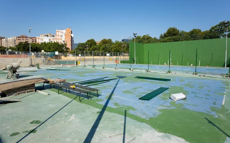 El CDM Gran Vía estrenará en julio dos nuevas pistas de tenis de césped artificial