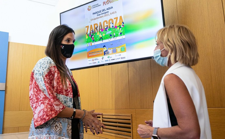 El Parque del Agua acoge el evento Plogging Tour, la primera gira europea de Deporte y Ecología, que ya ha retirado 15.000 kilos de basura en ocho ciudades españolas