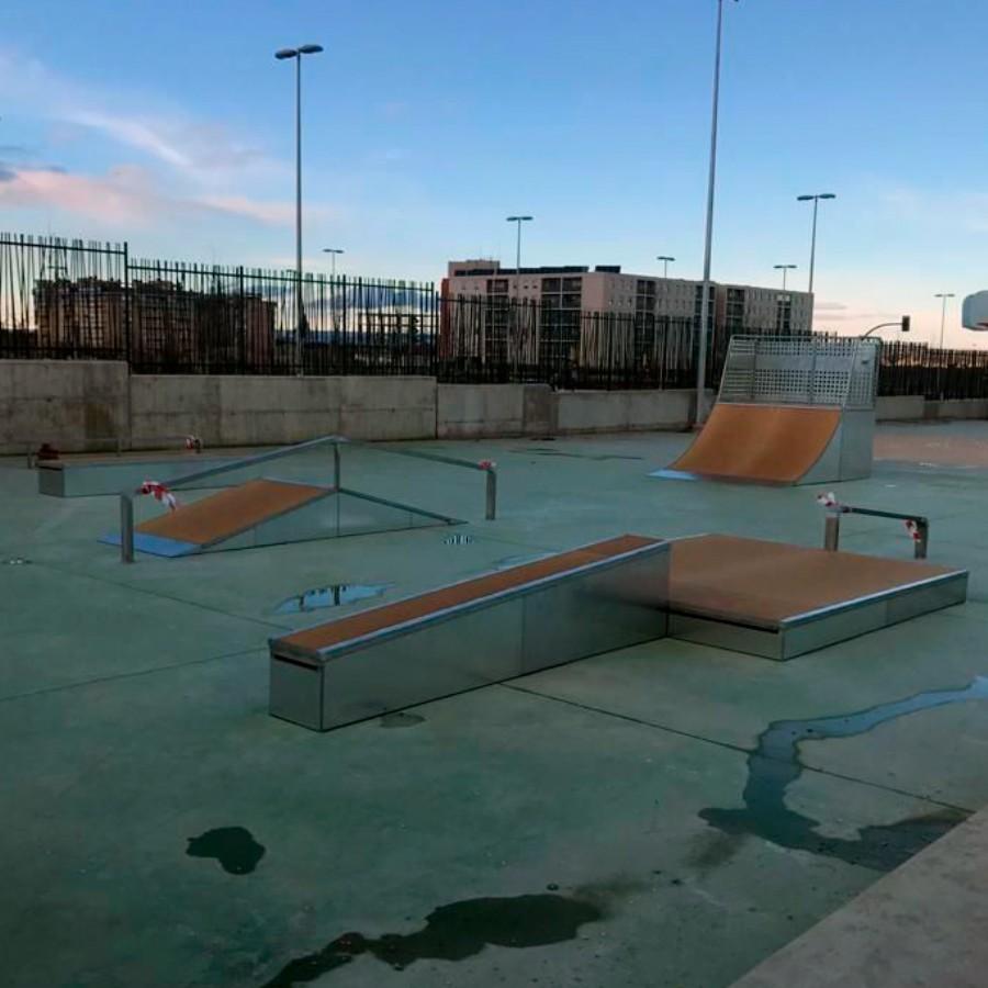 Ya están instalados los diferentes elementos modulares de skate en la Instalación Deportiva Elemental «Arcosur» de Zaragoza