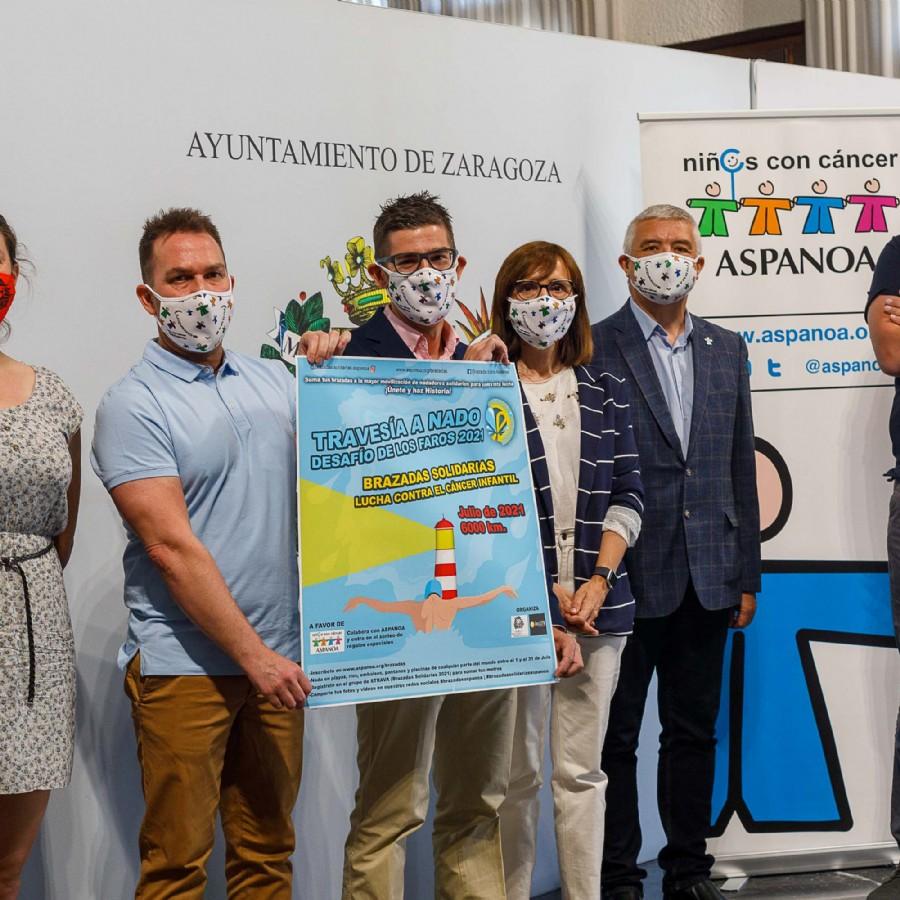 La iniciativa «Brazadas solidarias» lanza el reto de sumar 6.000 kilómetros a nado para luchar contra el cáncer infantil