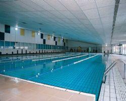 Las piscinas municipales cubiertas comenzar n el 1 de for Piscina jose garces