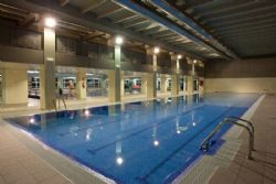 Nueva piscina cubierta de 10 calles en stadium venecia for Piscina cubierta zaragoza