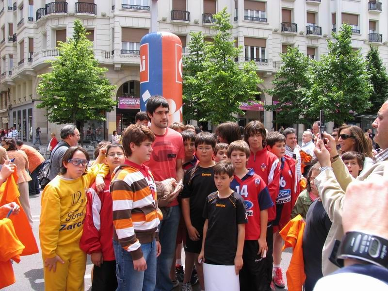 CALLE 3 Raúl Entrerríos foto de equipo