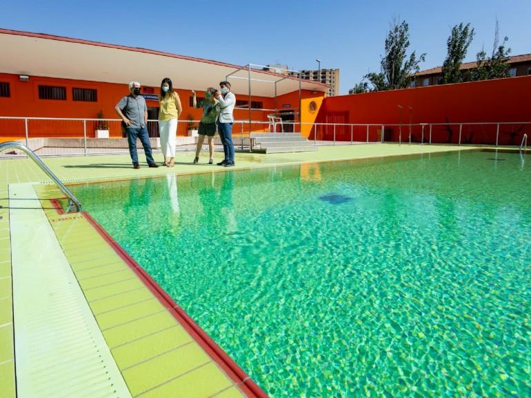 Las piscinas municipales abren el sábado 12 de junio la temporada de verano, con nueva app para adquirir la entrada desde el móvil. Foto: Miguel G. García