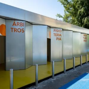 El campo municipal de fútbol de San José estrena nuevo edificio de vestuarios. Foto: Miguel G. García