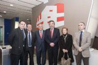 El alcalde de Zaragoza, Juan Alberto Belloch, y el Consejero de Fomento y Deportes, Manu Blasco, han visitado esta mañana el CDM Duquesa Villahermosa