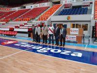 Al acto de presentación han asistido el director general de Mondo Ibérica, Santiago Palomera; el concejal de Deportes, Roberto Fernández García, y equipos técnicos y directivos del CAI Zaragoza y el Caja3 Balonmano Aragón.