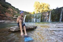 Javier Hern�ndez, la valent�a se tira al agua