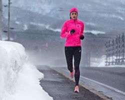 ¿Cómo afecta el frío al rendimiento en carrera?