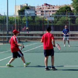 Todav�a quedan plazas libres para jugar al tenis en los cursillos municipales �An�mate!