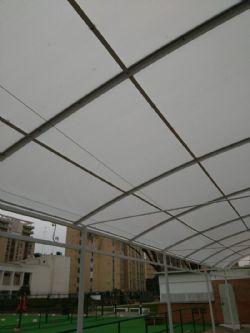 Finalizados los trabajos de renovación de la pérgola de las piscinas de verano del Palacio de Deportes